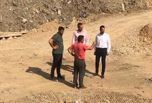 Opštinsko rukovodstvo obišlo radove na deponiji u Komarači