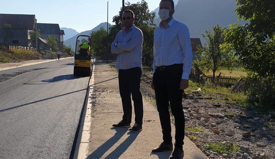 Canović: Počelo asfaltiranje puta u Vojnom Selu